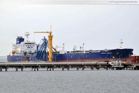 Schiffsbilder Wilhelmshaven: Tanker Ligovsky Prospect am NWO-Löschkopf 4