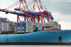 Wilhelmshaven: Containerschiff Estelle Maersk (397 m) am JadeWeserPort