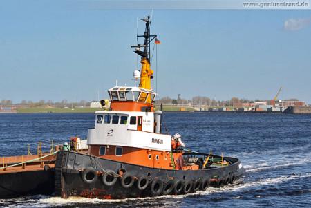 Wilhelmshaven: Der Schlepper Monsun im Nordhafen
