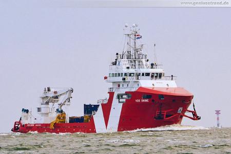 Schiffsbilder Wilhelmshaven: Offshore-Versorger Vos Shine auf der Jade