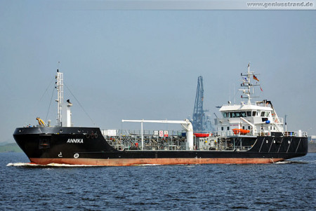 Wilhelmshaven Schiffsbilder: Tanker Annika im Nordhafen