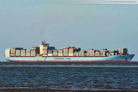 JadeWeserport Wilhelmshaven: Containerschiff Charlotte Maersk einlaufend