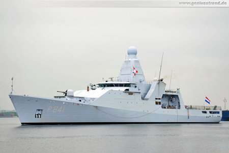 Patrouillenschiff HNLMS Zeeland (P 841) beim Wochenende an der Jade 2013