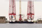 Nordhafen: Schwimmkran Rambiz ist heute in Wilhelmshaven angekommen