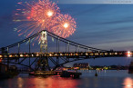 Wilhelmshaven: Abschlussfeuerwerk zum Wochenende an der Jade 2013
