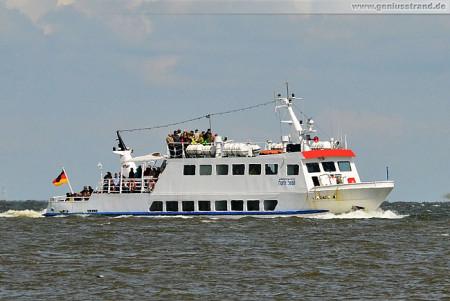 Wilhelmshaven Schiffsbilder: Passagierschiff Harle Sand der Reederei Warrings
