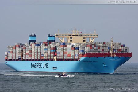 Größtes Containerschiff der Welt Maersk Mc-Kinney Moller in Bremerhaven