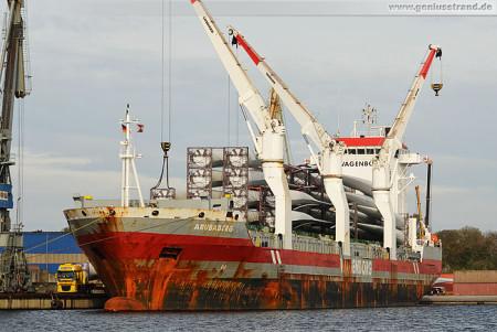 Wilhelmshaven Lüneburgkai: Rotorblätter werden von der Arubaborg gelöscht