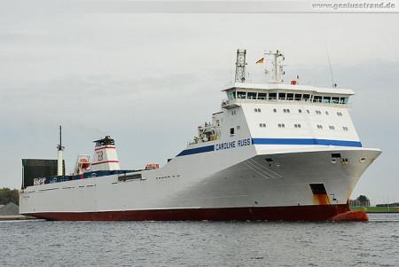 Wilhelmshaven: RoRo-Frachtschiff Caroline Russ legt am Lüneburgkai an