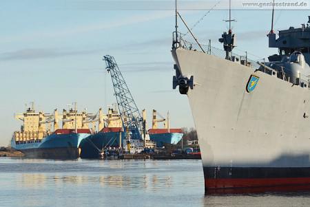 Wilhelmshaven: Containerschiff Maersk Vigo liegt jetzt im Ausrüstungshafen
