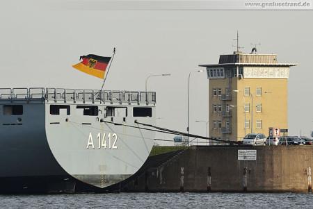 Wilhelmshaven Nordhafen: Die Frankfurt am Main an der Instandsetzungspier