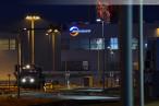 Wilhelmshaven JadeWeserPort: Containerzug der OHE wird beladen