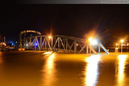 Bilder der Sturmflut bei Nachthochwasser in Wilhelmshaven