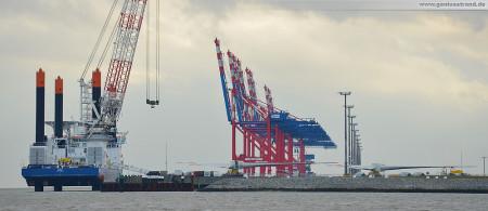 JadeWeserPort: Offshore-Windanlagen-Errichterschiff VIDAR (Hochtief Solutions AG)