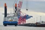 JadeWeserPort: Hochtief Offshore-Windanlagen-Errichterschiff VIDAR