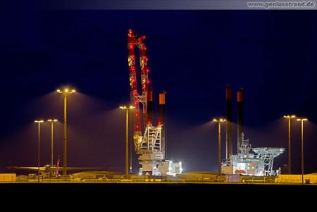 Projektpier JadeWeserPort: Offshore-Errichterschiff Vidar (Hochtief Solutions)