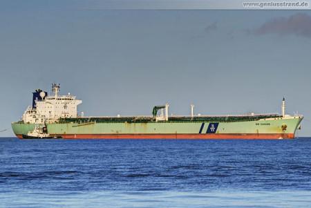 Wilhelmshaven: Tanker BW Danube löscht 50.000 t Erdöl an der NWO