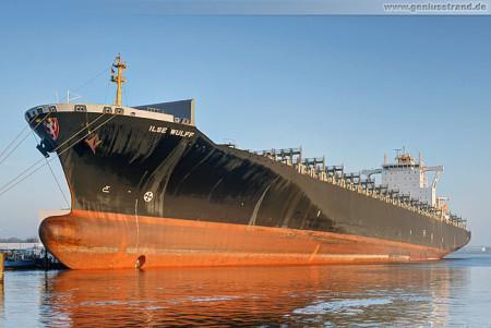 Wilhelmshaven Nordhafen: Containerschiff Ilse Wulff liegt am Hannoverkai
