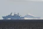 Schiffsbilder/Shipspotting: Weltgrößte Luxusyacht Azzam auf Schillig-Reede