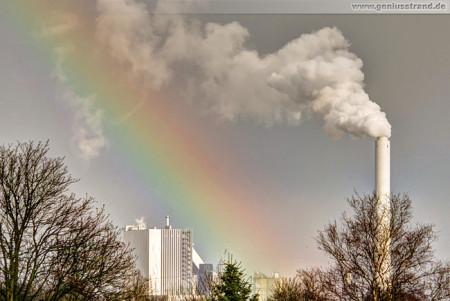Wilhelmshaven: Regenbogen über dem GDF Suez Kohlekraftwerk