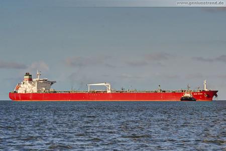 Wilhelmshaven Schiffsbilder: Tanker SKS Sinni bringt 130.000 t Öl an die NWO
