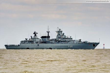Wilhelmshaven Schiffsbilder: Fregatte Bayern (F 217) auf der Jade