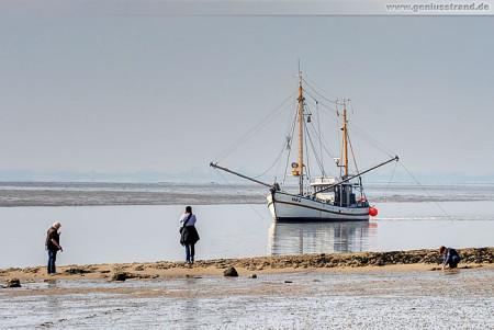 Wilhelmshaven: Krabbenkutter Hein Godewind (VAR-6) am Südstrand