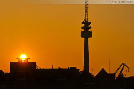 Wilhelmshaven: Sonnenuntergang über dem ICBM-Terramare-Gebäude