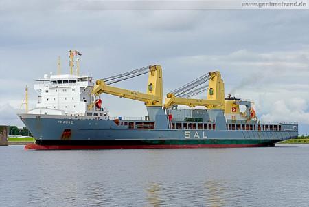 Wilhelmshaven: SAL Heavy Lift Schwergutfrachter FRAUKE im Nordhafen