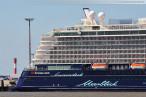 JadeWeserPort: Schiffsneubau Mein Schiff 3 von TUI Cruises in Wilhelmshaven