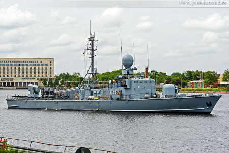 Wilhelmshaven: Schnellboot Zobel (S 75) P6125 beim Schleife fahren