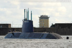 Wilhelmshaven: U-Boot RAHAV fährt Schleife im Großen Hafen