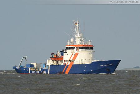 Wilhelmshaven: Sicherungsschiff HDW HERKULES auf der Jade