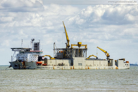 Wilhelmshaven: Spezialschiff Simon Stevin (Subsea Rock Installation Vessel)