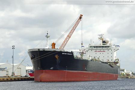 Wilhelmshaven: Tanker British Tenacity liegt am Südwestkai