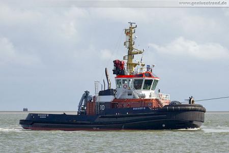 Wilhelmshaven: Der BUGSIER 10 als Achterschlepper eingesetzt