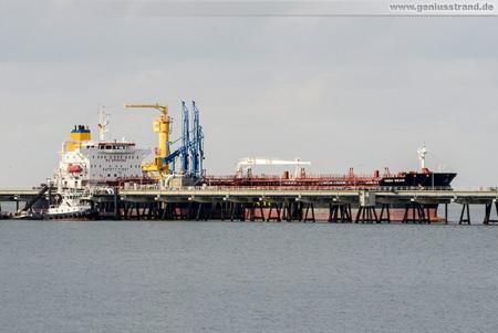 Wilhelmshaven: Tanker HIGH SEAS löscht 30.000 t Öl an der NWO