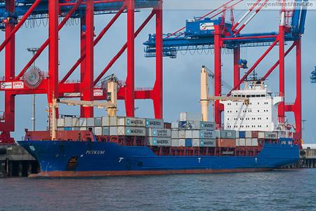 Containerterminal Wilhelmshaven (CTW): Feederschiff PETKUM wird gelöscht