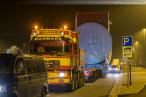 Wilhelmshaven Voslapp: Schwertransport mit Maschinenhaus unterwegs