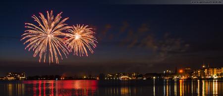 Wilhelmshaven: Feuerwerk JadeWeserPort-Cup 2014
