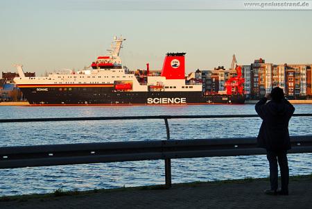 Wilhelmshaven Bontekai: Indienststellung des Forschungsschiffes SONNE