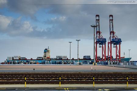 Container Terminal Wilhelmshaven: Containerschiff MAERSK KARLSKRONA