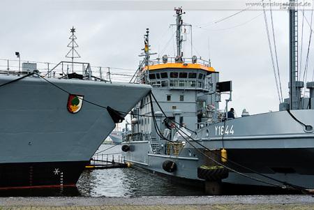 Wilhelmshaven Nordhafen: Fregatte Augsburg wird bebunkert
