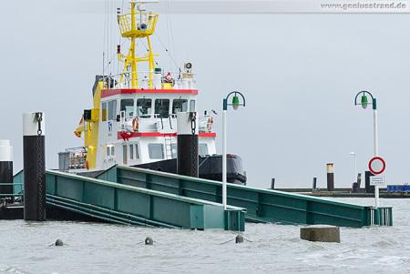 WILHELMSHAVEN: Hochwasserbilder aus dem Alten Vorhafen und Südstrand