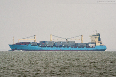 Container Terminal Wilhelmshaven (CTW): Containerschiff Bomar Vanquish