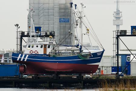 Wilhelmshaven Neue Jadewerft: Fischkutter OZEAN (ACC-9) auf der Slipanlage
