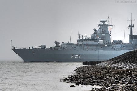 WILHELMSHAVEN: Fregatte BAYERN (F 217) Atalanta-Einsatz auslaufend