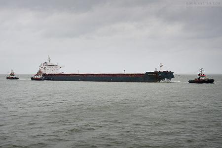 Wilhelmshaven: Bulk Carrier LAURA D löscht über 111.500 t Kohle