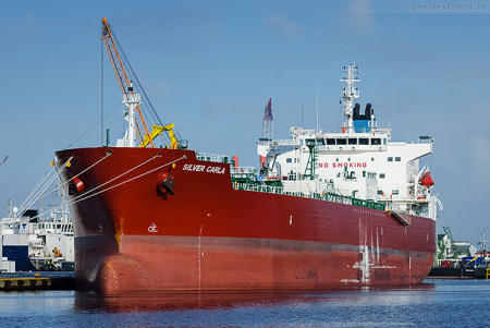 Wilhelmshaven Südwestkai: Tanker SILVER CARLA hat Maschinenschaden
