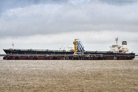 NWO Wilhelmshaven: Tanker ALFA ITALIA am Löschkopf Nr. 1
